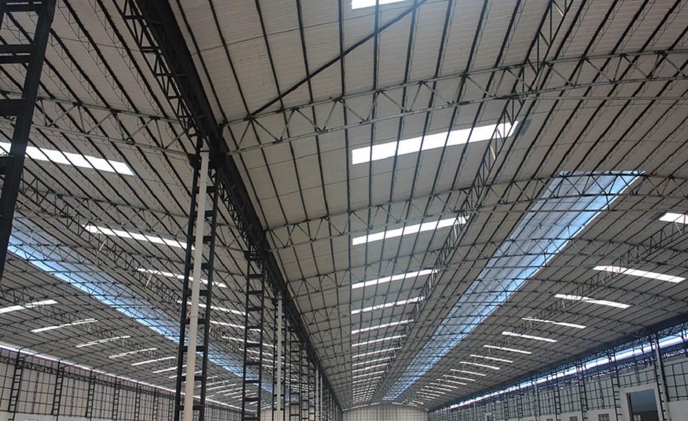 cubiertas de pabellones y fábricas en Vitoria