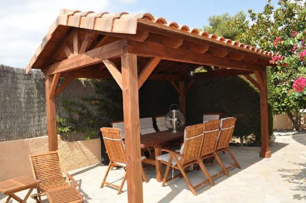 Cenador estructura de madera y cubiertas tejados Vitoria