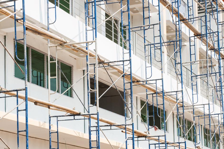 rehabilitaciones de edificios y de fachadas en Vitoria tejados Vitoria andamios en fachadas